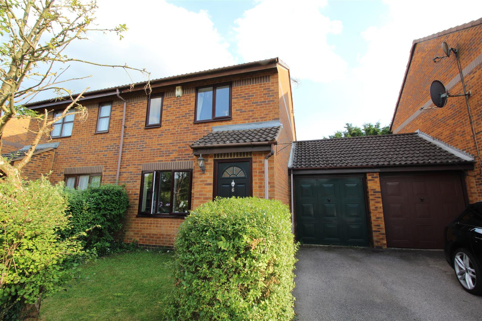 WALKING DISTANCE OF MAIN LINE RAILWAY STATION<br/><br/>At Stratfords we are pleased to present this 3 bedroom semi-detached property in the well loved area of Fenny Stratford. The property is located within walking distance of the main line railway stati